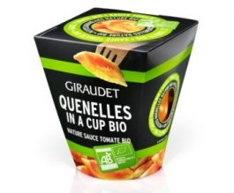 Quenelle in a cup bio nature sauce tomate bio